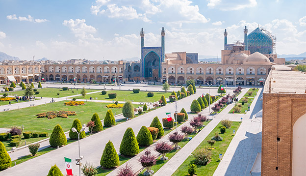 Esfahan square. Photo Credit: Shutterstock.