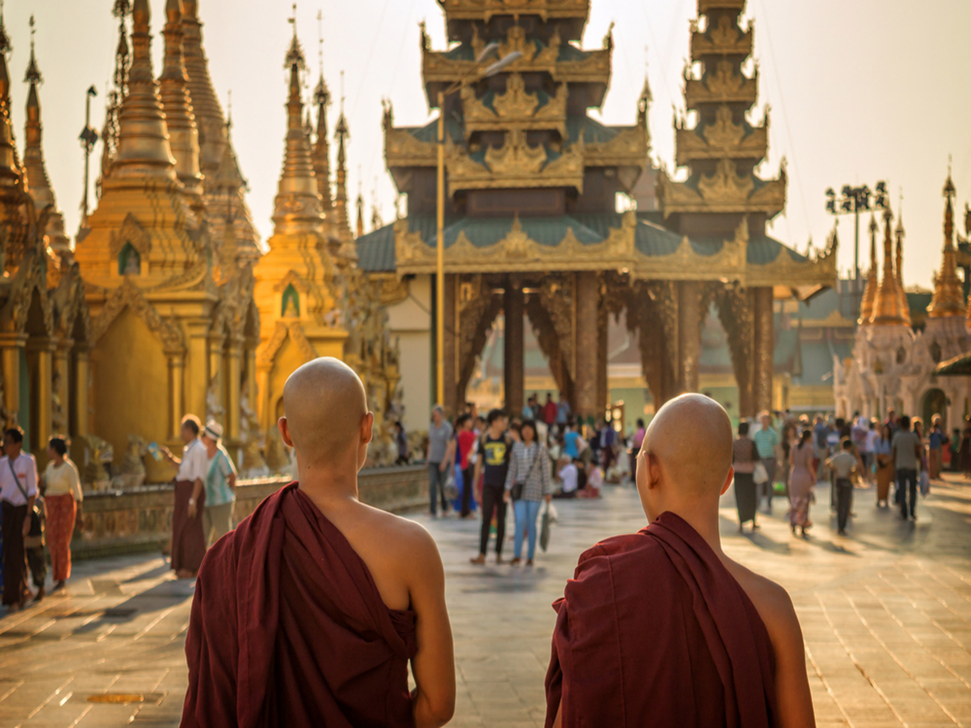 Monks-at-Shwedagon-Pagoda-in-Yangon,-Burma-Myanmar