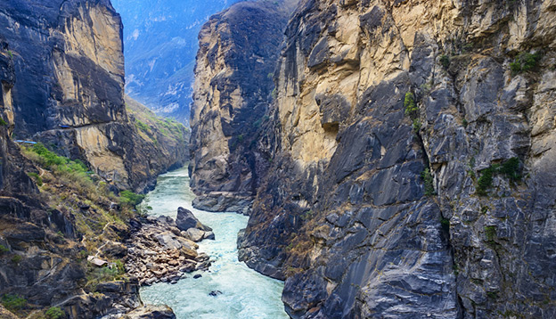 Tiger Leaping Gorge. Located 60 kilometres north of Lijiang City, Yunnan Province, China. Photo Credit: Shutterstock